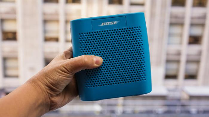 The-Bose-SoundLink-Color-2